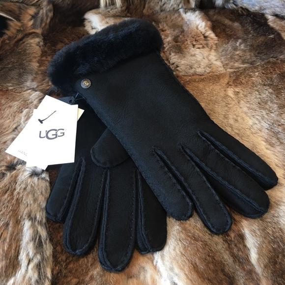 31dedcd5ed4 NWT UGG Shearling Gloves NWT